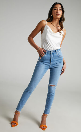 Wrangler - Hi Pins Jean in Regenerate Blue