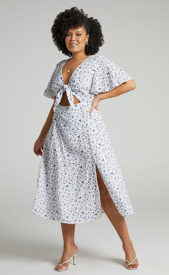 Wild And Free Mind Midi Dress in White Floral