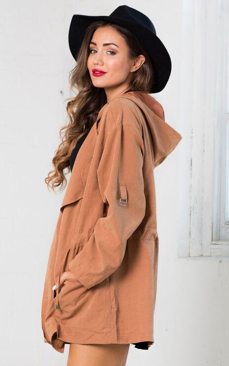 Discoverer Trench Coat In Camel