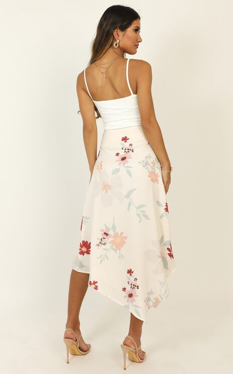 Top Priority Skirt In Cream Floral