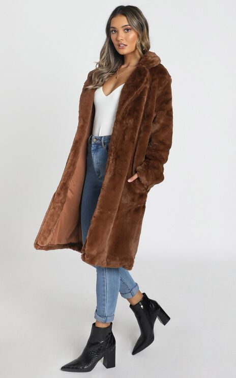 Warm And Cosy Coat In Chocolate