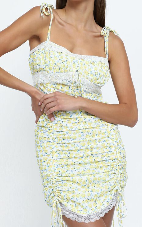 Alexine Dress in Yellow Floral