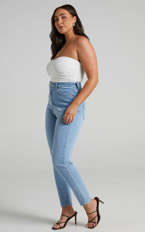 Lee - Hourglass High Licks Crop Jean in Optimal Blue