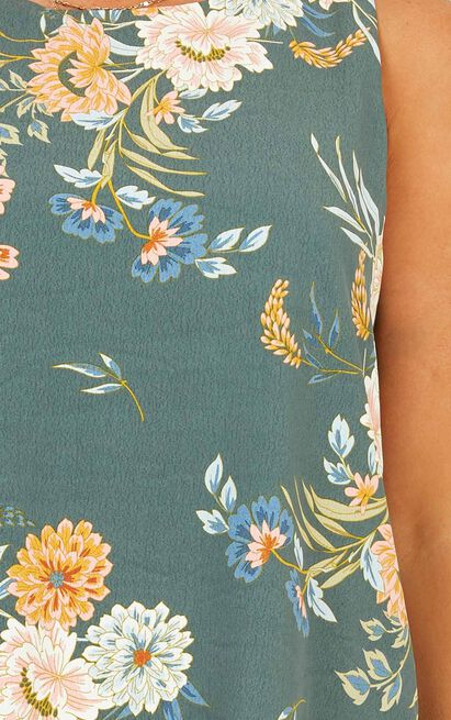 Stress Free Top in sage floral - 20 (XXXXL), Green, hi-res image number null