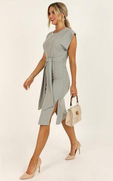 Closing Up Dress In Grey