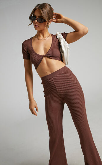 Zyanya Ribbed Two Piece Set with Cropped Short Sleeve Top in Chocolate