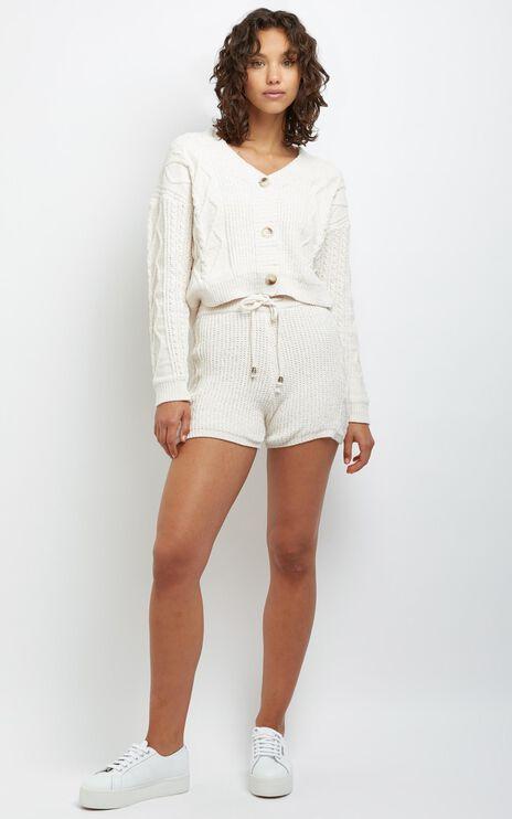 Andino Shorts in Cream