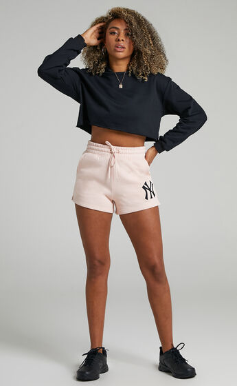 Majestic - Cali NY Yankees Track Shorts in Pink Clay