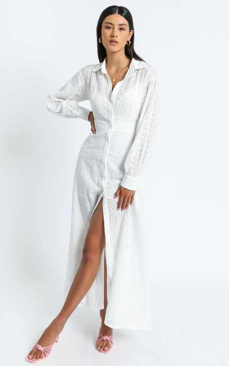 Niomie Embroidery Dress in White