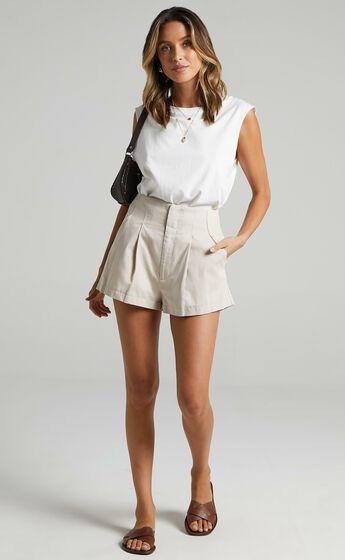 Elyssa Shorts in Beige