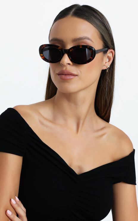 Luv Lou - The Estelle Sunglasses in Tort