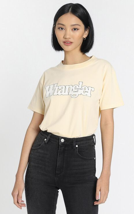 Wrangler - Outlines Tee in Golden Haze