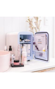 The Quick Flick - Beauty Fridge in Snow White