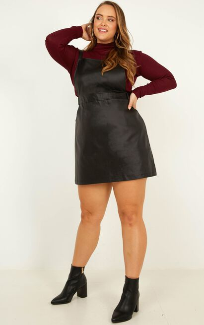 No Effort Pinafore dress in black leatherette - 20 (XXXXL), Black, hi-res image number null