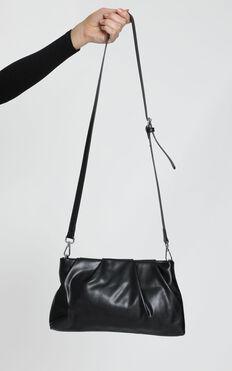 Travel Guide Bag In Black