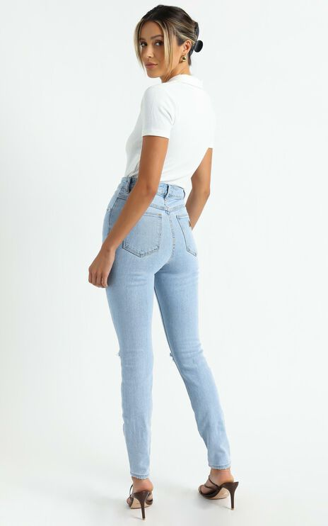 Abrand - A High Skinny Ankle Basher Jean in Walk Away Rip