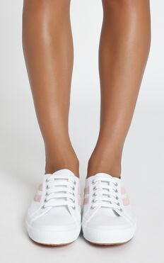 Superga - 2953 Swollowtail Cotusuede Sneaker In White And Pink