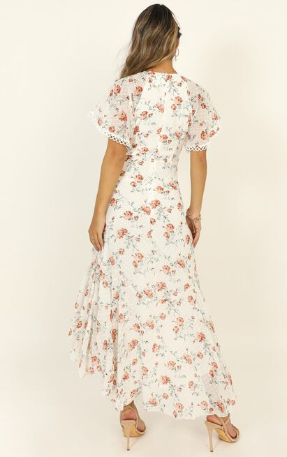 Chalkboard dress in white floral - 14 (XL), White, hi-res image number null
