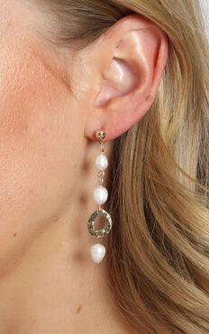 JT Luxe - Mira Pearl Drop Earrings in Gold