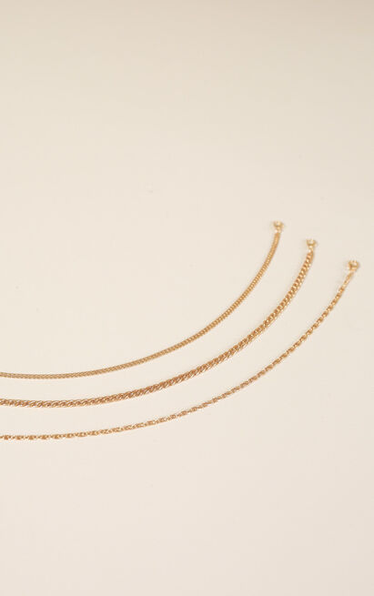 Uninvited necklace in gold, , hi-res image number null