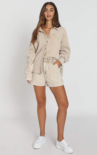 Cheshire Shorts in taupe - 8 (S), Taupe, hi-res image number null