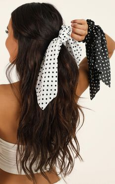 Still Dreaming Scrunchie 2 Pack In Black And White Spot