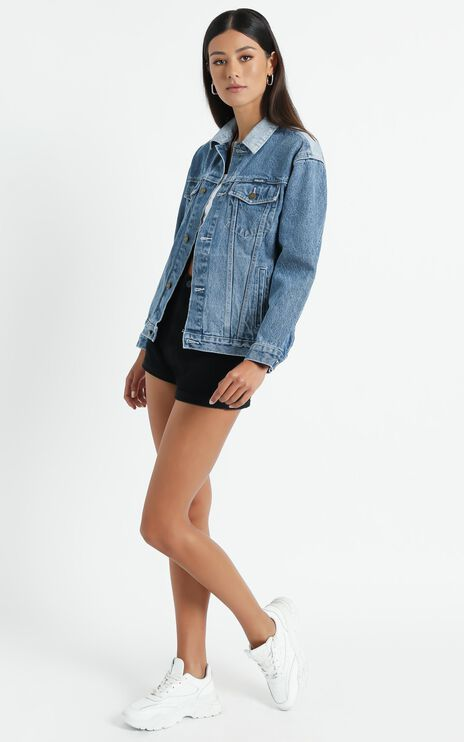 Rollas - Slouch Denim Jacket in Tumbled Blue