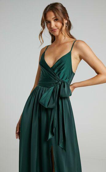 Revolve Around Me Dress in Emerald