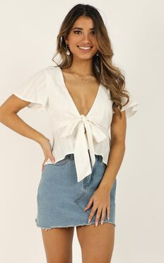 Play Your Cards Right Top In White Linen Look