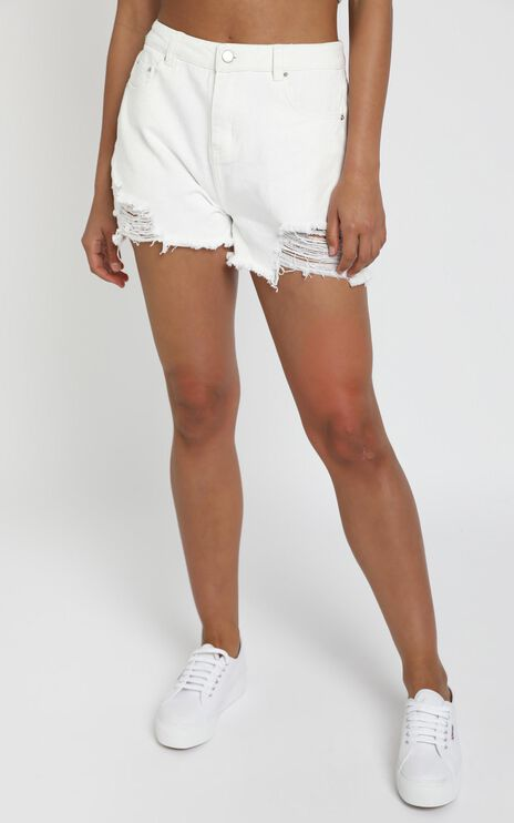 Loco Shorts in White Denim