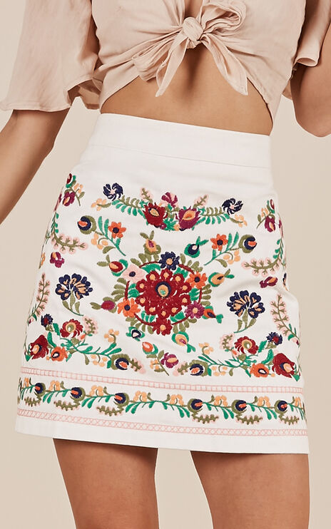 Sky Fall Skirt In White Embroidery