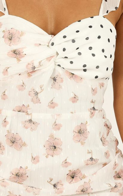 We Got The Flowers Dress in white floral - 20 (XXXXL), White, hi-res image number null
