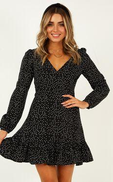Worlds Away Dress In Black Polka