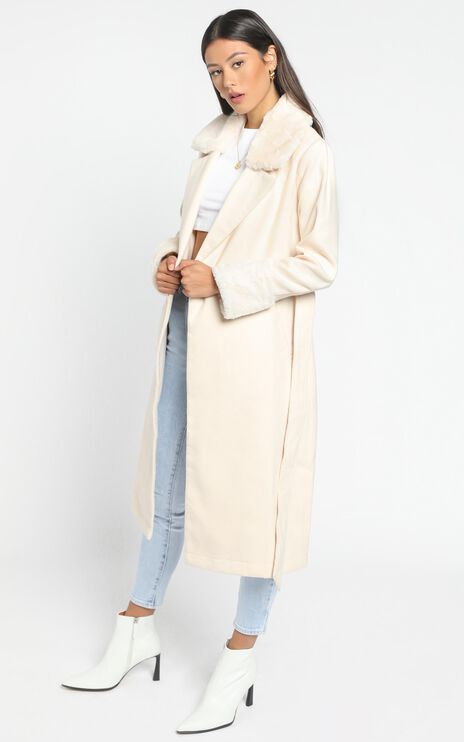 Manhattan Mornings Coat in cream