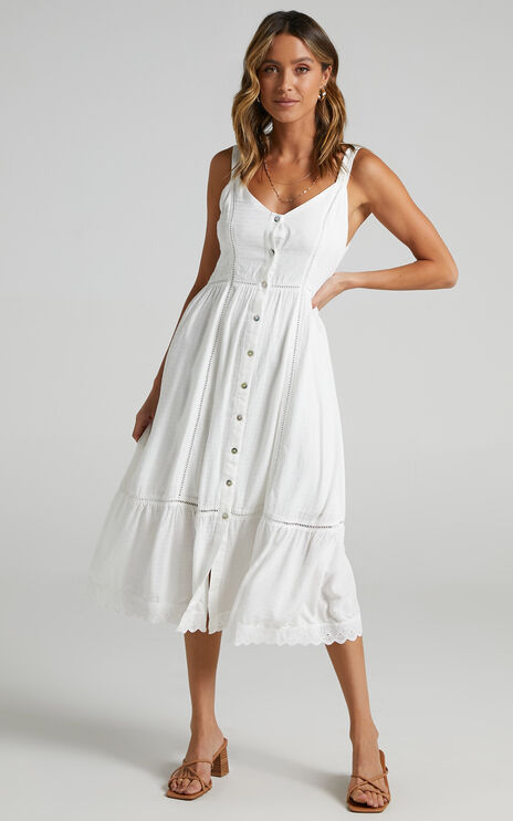 Roberts dress in White