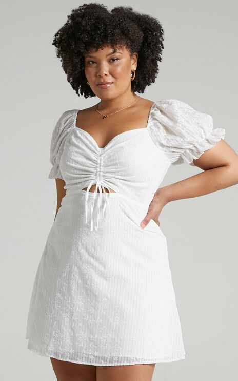 Soft Mention Dress In White Floral