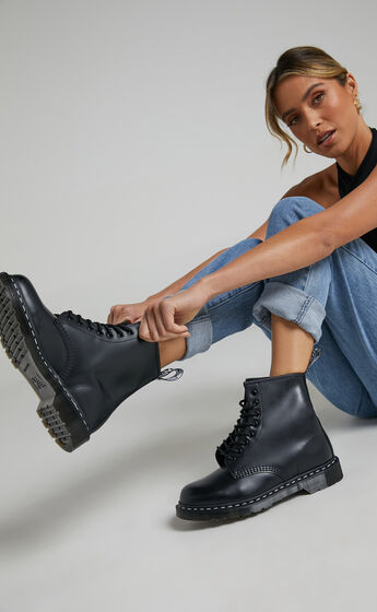Dr. Martens - 1460 WS 8 Eye Boot in Black Smooth
