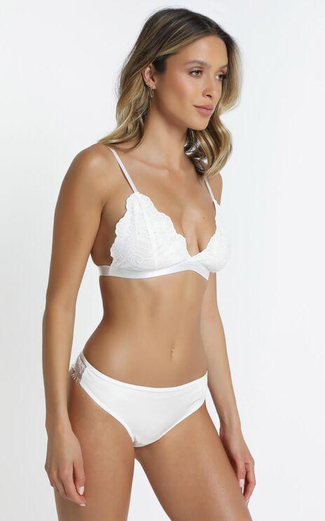 Lilli Bralette in White Lace