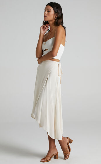 Come Find Me Skirt in White Linen Look