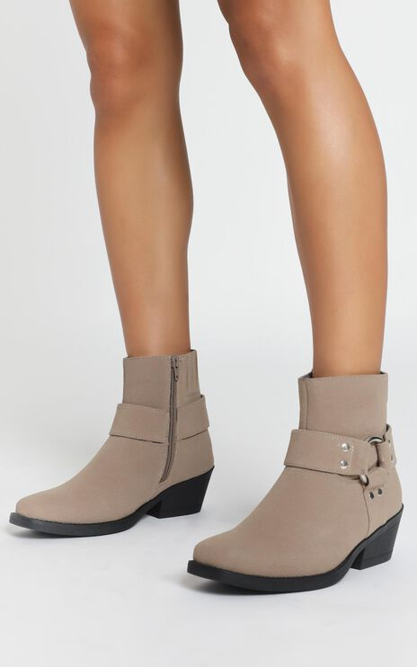 Therapy - Velez Boots In Taupe