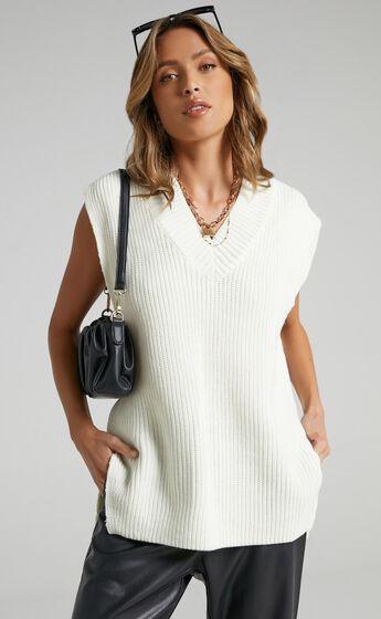 Cambridge Knit Vest in Cream