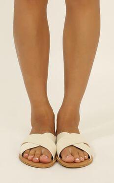 Billini - Majorca slides in off white linen