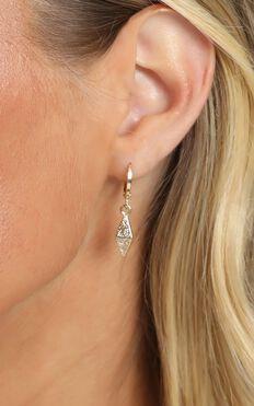 Giza Drop Hoop Earrings In Gold