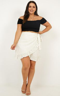 Frilling Times Skirt In White Stripe Linen Look
