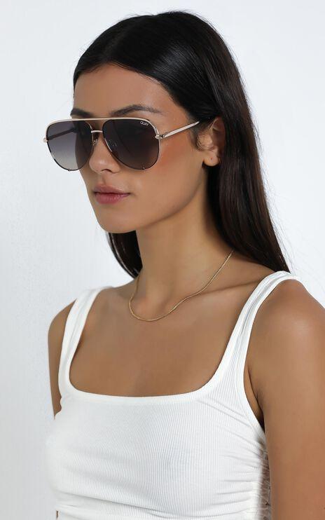 Quay - High Quay Sunglasses in Black Gold / Smoke