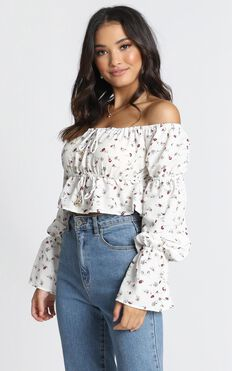Steal My Sunshine Top In Cream Floral