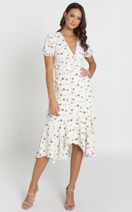 Arella Midi Dress In White Floral