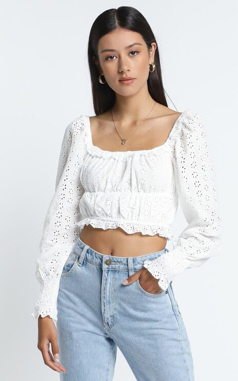 Maceline Embroidery Top in White