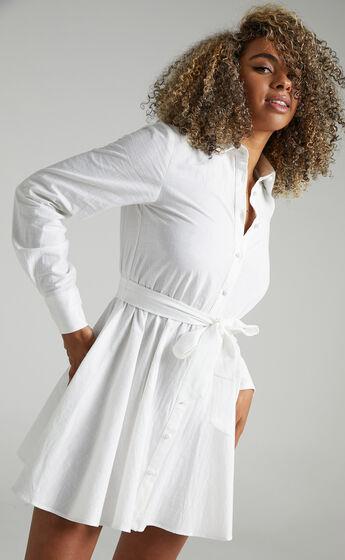 Ciri Dress in White