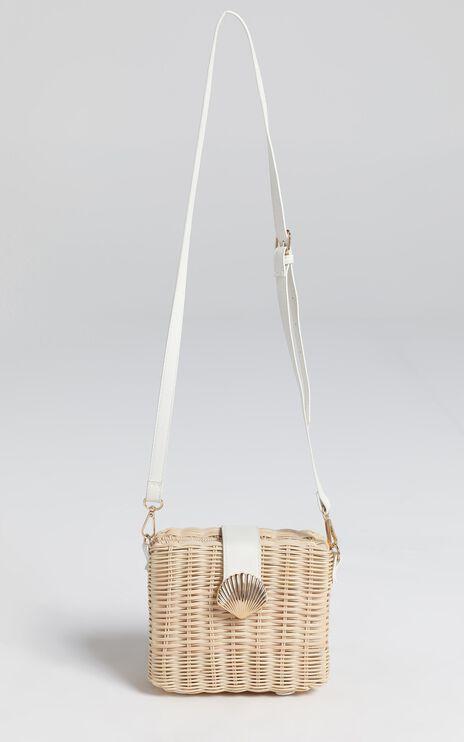 Geovana Bag in Straw